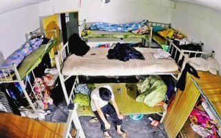 杭州曝光群租屋乱象:100平米房间塞进36张床